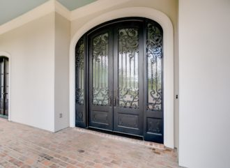 How to Make an Appropriate Choice for the Doors?